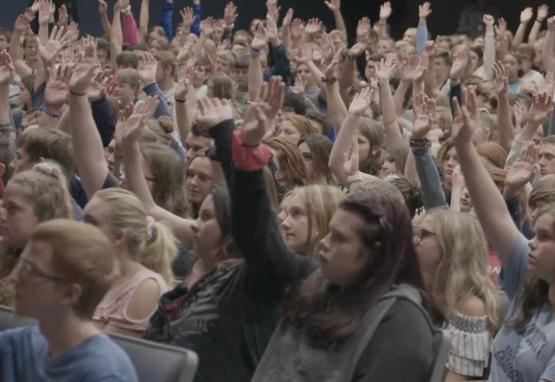 7-hands-up
